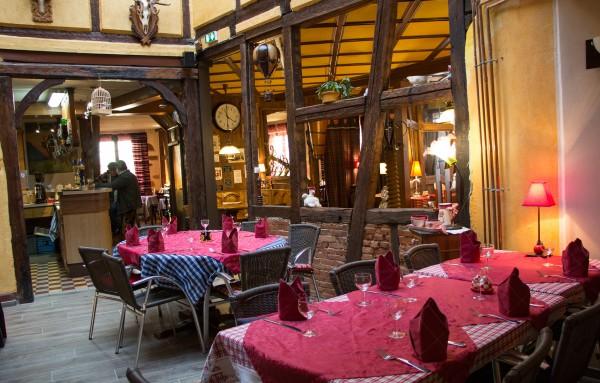 La salle de restaurant habillée par Michèle Roeckel.